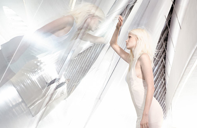 Wella TrendVision White Light hair styling