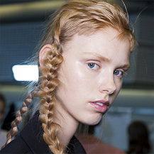/m/blog/Messy-Braids-Boho-Hairstyles-At-Preen-By-Thornton-Bregazzi-SS17/Wella-BlogArticle-Messy-Braids-Boho-Hairstyles-Preen-By-Thornton-Bregazzi-SS17-3_d.jpg