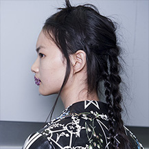 /m/blog/Messy-Braids-Boho-Hairstyles-At-Preen-By-Thornton-Bregazzi-SS17/Wella-BlogArticle-Messy-Braids-Boho-Hairstyles-Preen-By-Thornton-Bregazzi-SS17-4_d.jpg