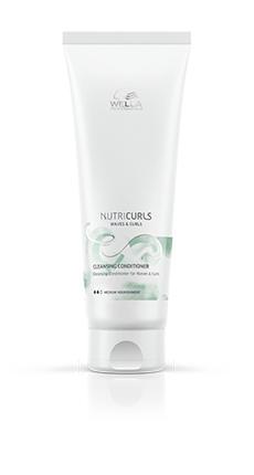 Зелено-белый тюбик сочищающим кондиционером для волнистых ивьющихся волос NUTRICURLS
